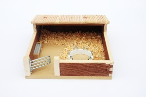 model bedded house with ring feeder
